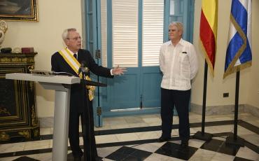Condecoración al Dr. Eusebio Leal Spengler con la Gran Cruz de la Orden de Isabel la Católica
