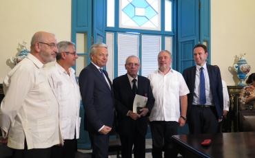 Acto de condecoración del Dr. Eusebio Leal con la Orden de Leopoldo.