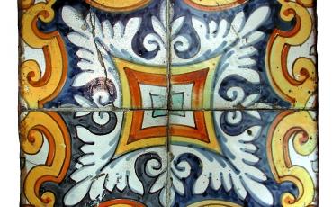 Azulejos cuadrados de cuarto ornato, fines del siglo XVII