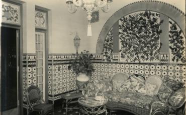 Patio andaluz de la Casa de Carlos Manuel de Céspedes, Línea y N, Vedado, La Habana