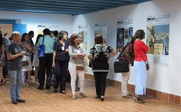 Vistas de la exposición biográfica Con la ciencia, la luz: Francisco Prat Puig
