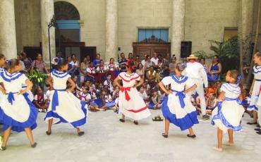 Presentación de la compañía La Colmenita