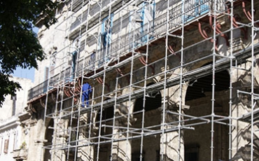 Vista de la restauración de la fachada del Palacio