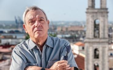 Eusebio Leal, Historiador de La Habana, en la Plaza de San Francisco de Asis, La Habana, Cuba