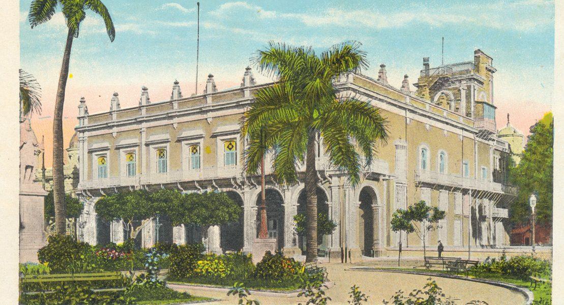 Plaza de Armas. Ayuntamiento y Senado, 1910 a 1920. Tarjeta postal. Archivo Histórico de la OHC