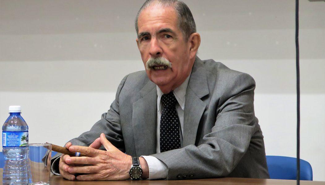 Dr. Ángel Pérez Herreros