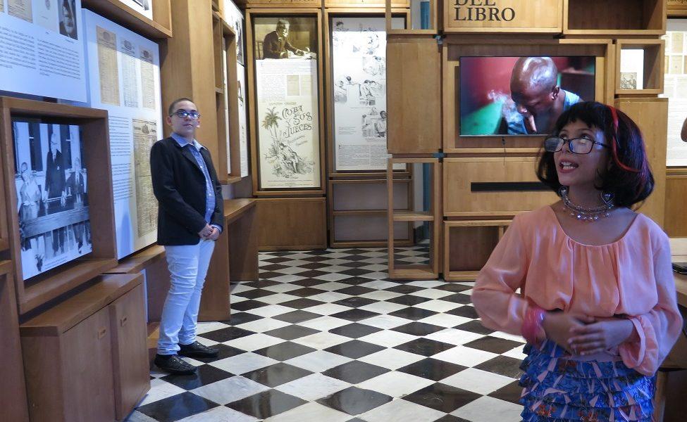 Pequeños intérpretes del Palacio representan personajes históricos